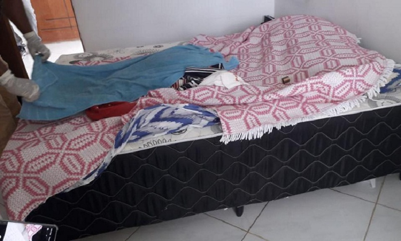 Resultado de imagem para Homem mata namorada por ciúmes e esconde corpo embaixo da cama na Bahia