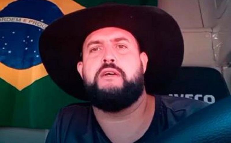 Procurado pela PF, Zé Trovão se entrega à polícia em Joinville